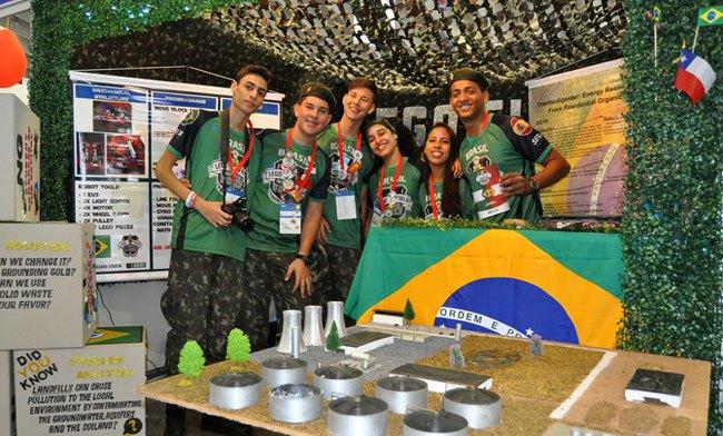 Los 'soldados del reciclaje' brasileños están orgullosos de su modelo de termodigestor. / SINC